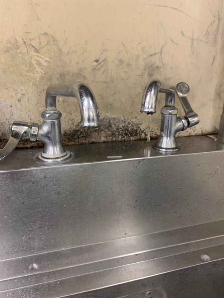 節水コンサルティングの様子 サブ02
